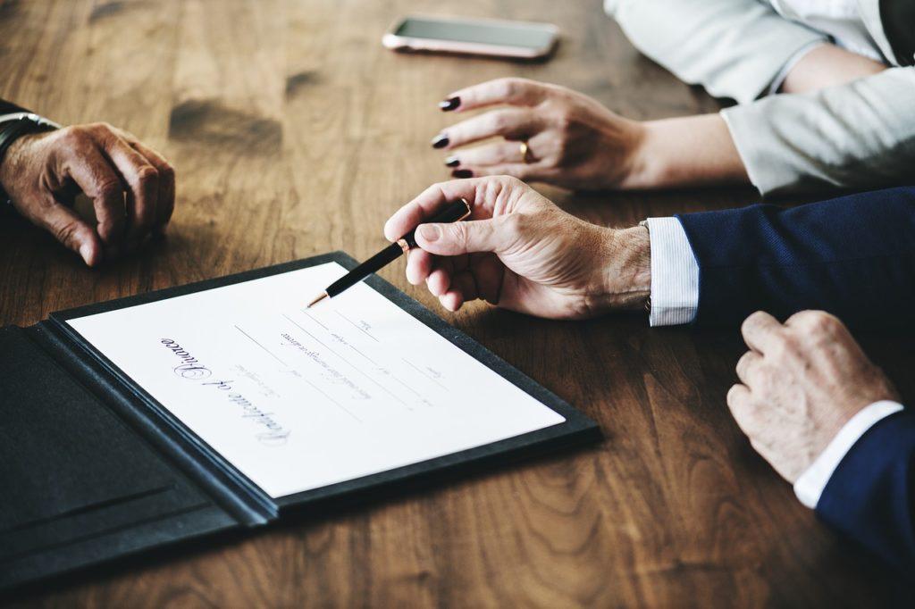 לוחות נכסים מסחריים מניבים להשקעה